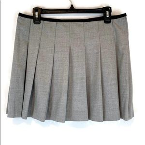 Theory gray wool pleated mini skirt